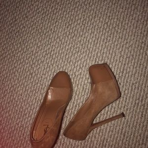 Coffee Brown Yves Saint Laurent Pumps